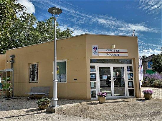 Office de Tourisme de Lussac-les-Chateaux