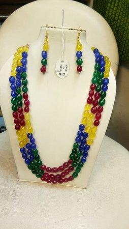Maharani Gift Shop: Gemstone Necklace