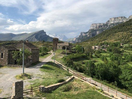 Chemin pittoresque du Vio qui mène à Casa Cuadrau