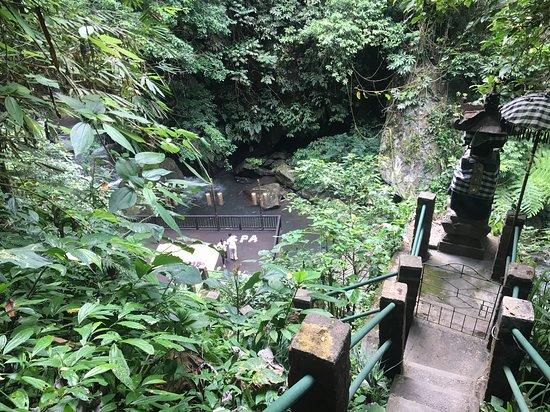 Nandini Jungle Resort & Spa Bali: Couples massage by the river