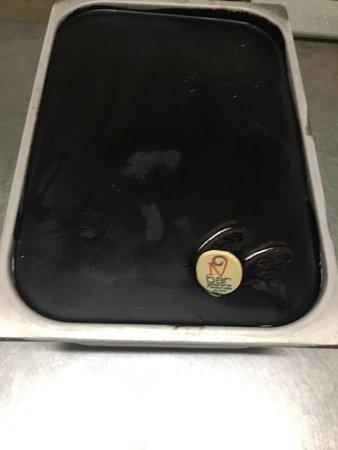 Gelato Oreo, gustoso gelato alla vaniglia con copertura di Cioccolato al biscotto