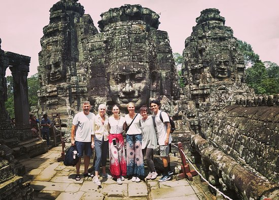 Valokuva: Sunrise Small-Group Tour of Angkor Wat from Siem Reap