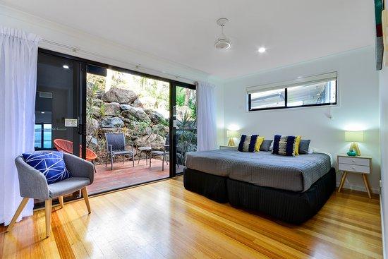 Shorelines 33 : Second bedroom
