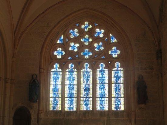 Saint-Jean-Trolimon, Frankrike: Chapelle Notre-Dame de Tronoën : vitrail du chevet (vitrail contemporain)