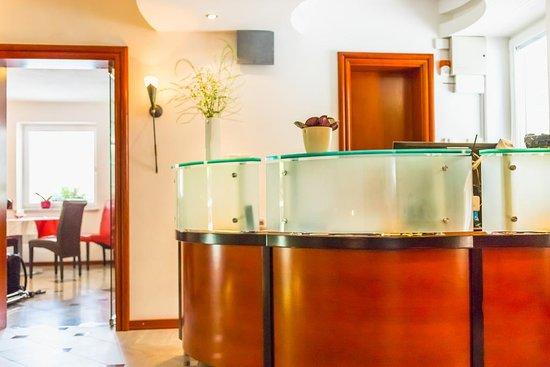Villa Nena: Reception