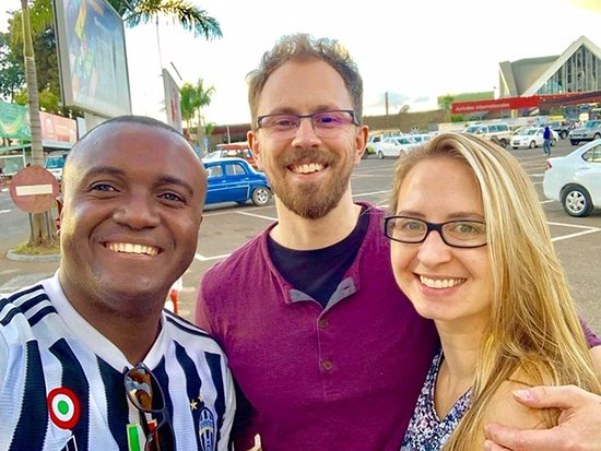 Madarako Tours: arriving in Antananarivo and meeting Olivier