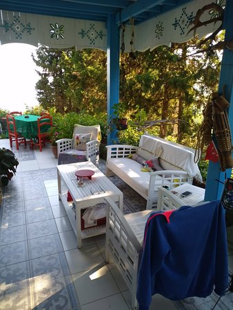 Muhteşem Marmara Denizi manzarası eşliğinde harika bir kahvaltı mekanı.