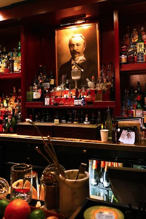Peter Kern Library in The Oliver Hotel 407 Union Ave, Knoxville, TN - Bar Area