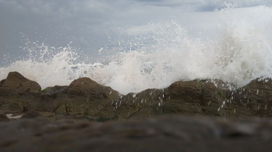 La Pedrera Hotel: playa imposible meterse al mar