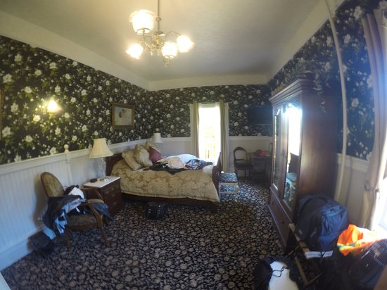 The Gingerbread Mansion Inn: gingerbread suite