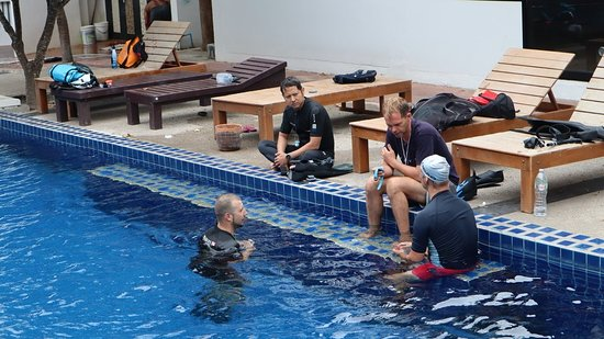 Are you looking for the ultimate challenge of for your Freediving skills? Then this course is what are you looking for! On this course, we discuss every aspect of Freediving theory and teach new techniques that help you to reach your goals safely and enjoyable! More information: https://crystalfreediving.com/master-freediver/