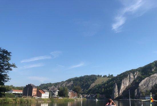 Les Croisieres Mosane: zicht op rots