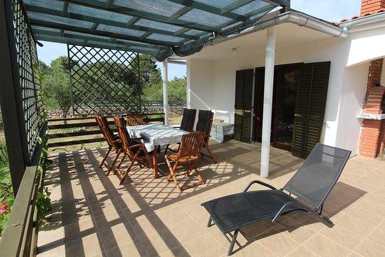 Rudine, Kroatia: Front terrace at Villa Bianca