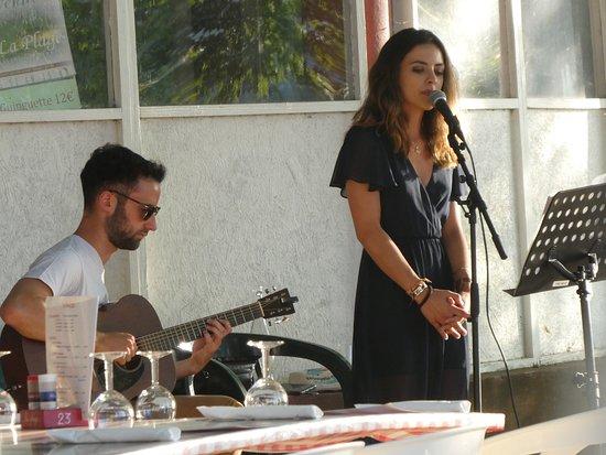 Castillon-la-Bataille, Francja: Live quality music