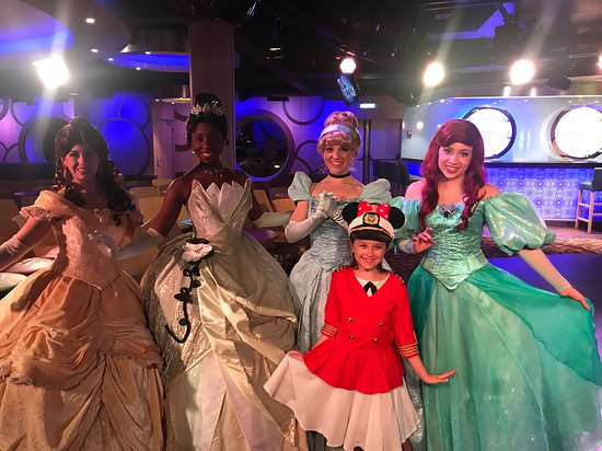Disney Wonder: Special photo op with the princesses.