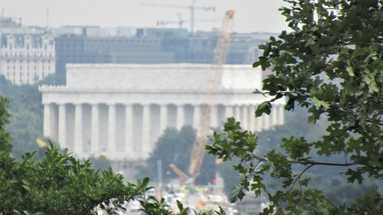 View of Washington from JFK memorial area (zoomed)