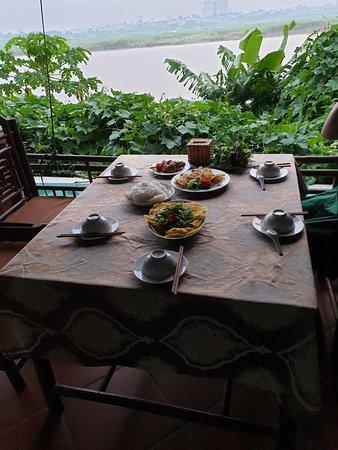 Hanoi Kochkurs: Setting the table