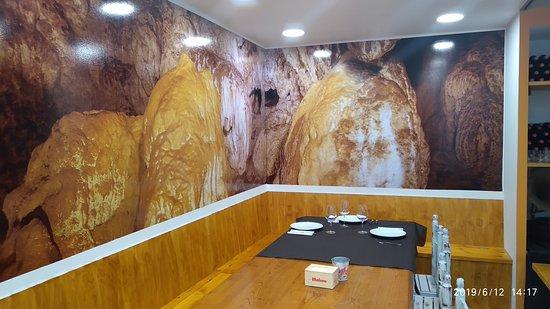 Vinoteca O Petisco: Interior de a Viñoteca O Petisco