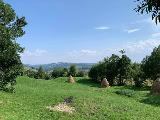 the descend from baicului mountains.