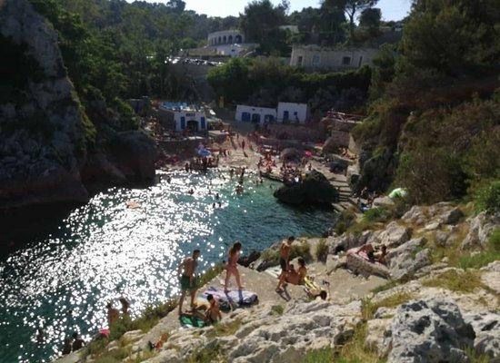 Salento, Italia: una delle tante calette del versante adriatico