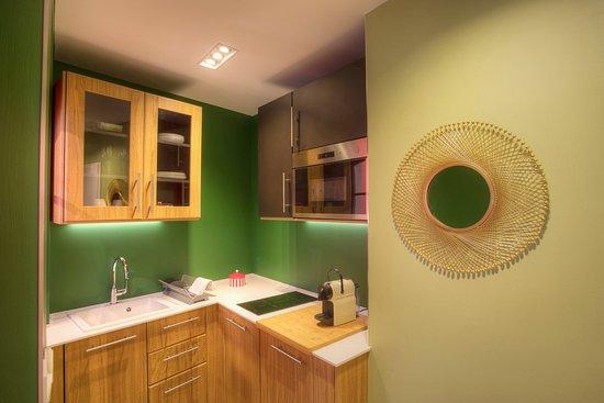 La Conciergerie Appartements Prives & Spas: cuisine du bain de vapeur