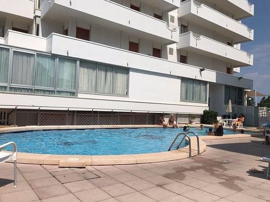 Hotel Alexander Photo