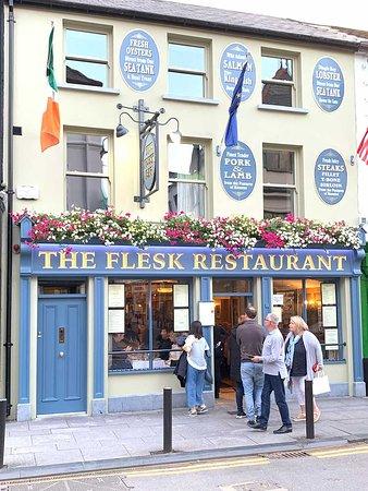 The Flesk Bar & Restaurant: Flesk Restaurant, street view