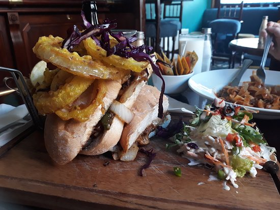 Lunch date - Review of Wineport Lodge Bar, Athlone, Ireland