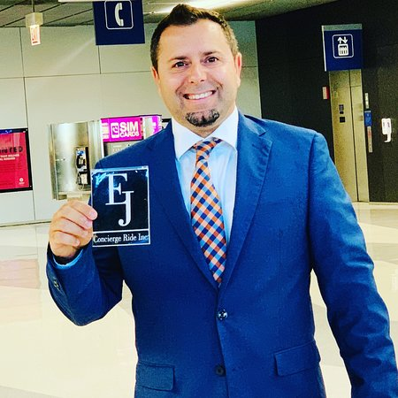Airport Meet and Greet with: EJ Concierge Ride,Worldwide  Make your reservation today: https://www.ejluxuryride.com/#airporttransfer #ohareairport #meetandgreet #carservice #limousinenservice #luxurytravel #ejconciergeride