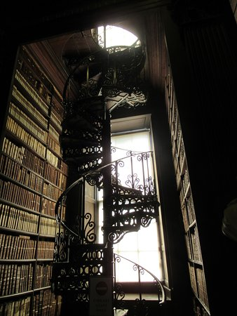 Skip the Line: The Book of Kells Exhibition & Old Library Admission Ticket: Staircase to upper level