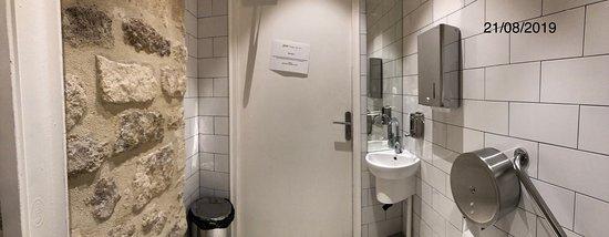 Toilettes de Jour - Bercy, 45 Cour Saint-Émilion, Bercy Village, 75012 Paris