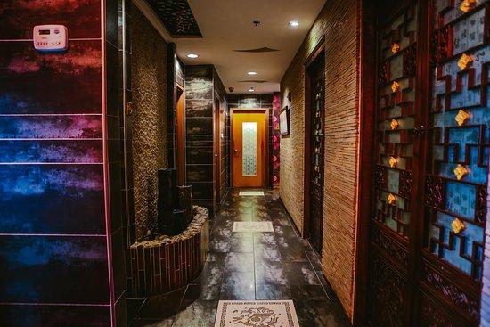 Treat Your Feet Doraville: Hallway