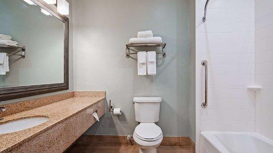 Best Western Port Aransas: Guest Bathroom