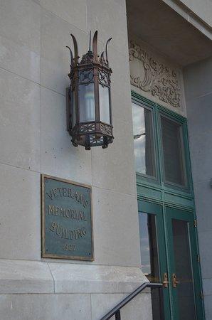 Cedar Rapids, Αϊόβα: The Veterans Memorial Building