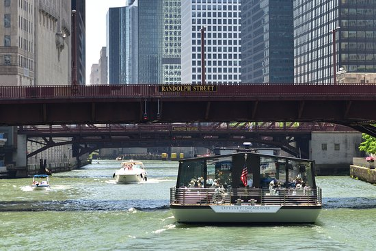 Chicago Architecture River Cruise: This is the other cruise serving lunch/dinner.