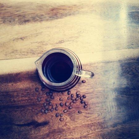 Một nơi lý tưởng để trải nghiệm không gian cũng như về cà phê nguyên chất. Thức uống phong phú và giá cả hợp lý.
