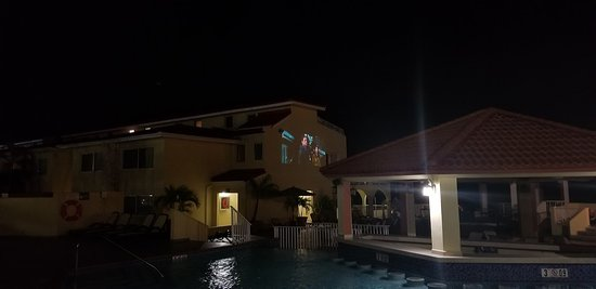 The Villas at Simpson Bay Beach Resort & Marina: WEEKLY NIGHT MOVIES BY THE POOL