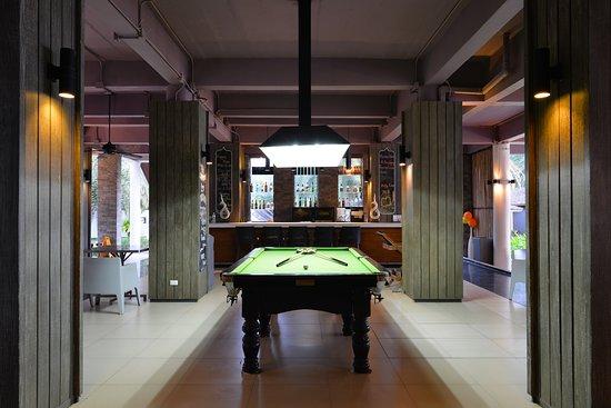 Twin Lotus Resort & Spa: Main Bar