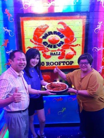 Mama Chew 360 Rooftop Jimbaran Bali: Ibu Yussy and Family (Jakarta )
