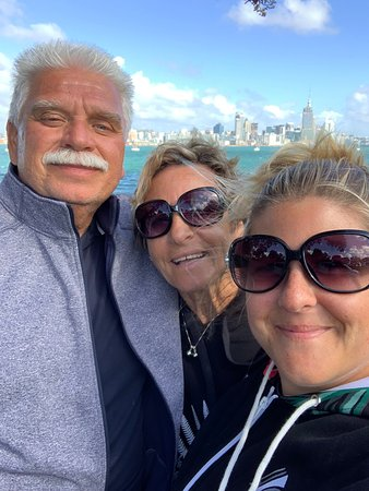 Auckland City and Maori Culture Tour (private vehicle & guide): selfie time!