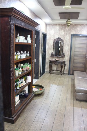 waiting lounge with medicine- products display