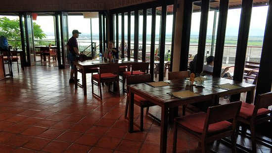 Victoria Nui Sam Lodge: Here is over expected hotel. There are really nice view of swimming pool, restaurant view atmosphere.