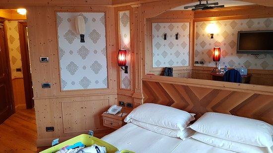 Fint hotell med stora trevliga rum och underbar utsikt