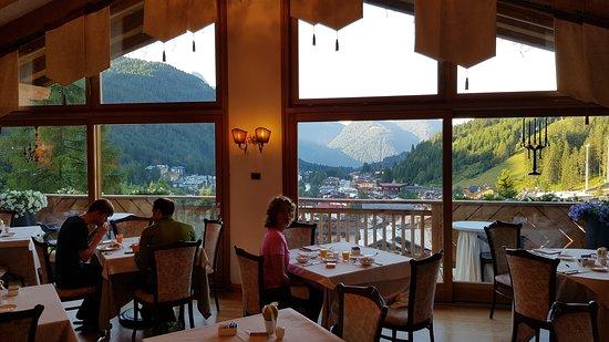 Frukost i restaurangen där samtliga måltider serveras