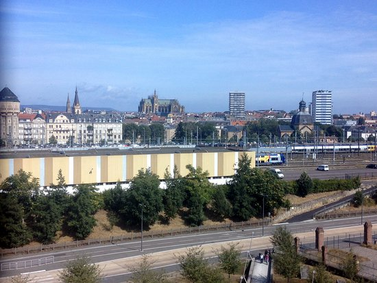 Centre Pompidou-Metz: Persoonlijk vond ik het uitzicht over Metz het mooist