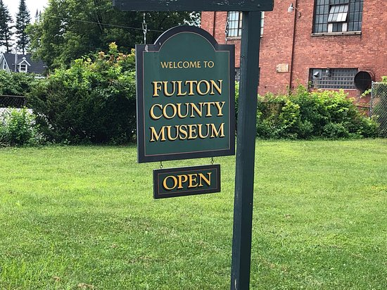 Fulton County Historical Society and Museum: Fulton County Museum -  sign in front