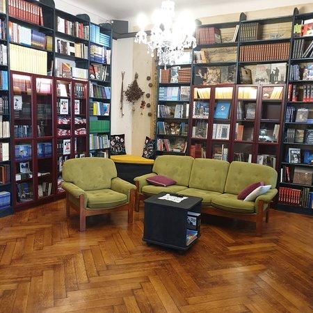 Bookstore Val