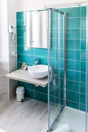 Golfo Aranci, Italie : bagno con doccia La Smeralda