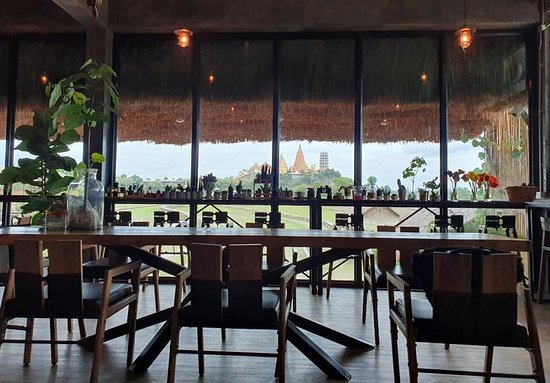 MEENA Cafe: view inside the cafe