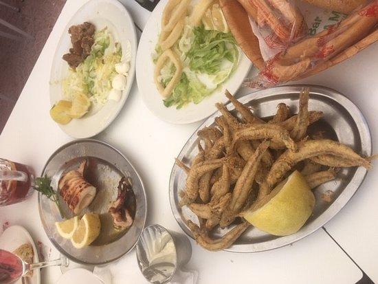 Bar La Marina: Boquerones del Rey, Huevas Rebozadas, Calamar Plancha